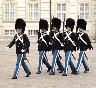 Life guards walking Amalienborg